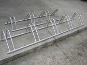 Rozsdamentes kerékpártárolók gyártása, többféle méretben